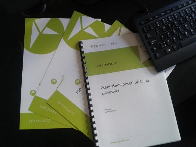 Učebnice a certifikáty